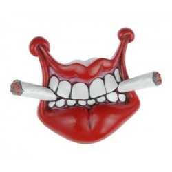 Lip with Cigaret Magnet #