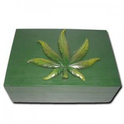 Storage box | Cannabis leaf | wood | 21x17x9 cm